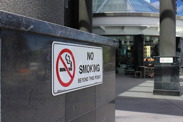 no-smoking, English translation of Defense-de-fumer